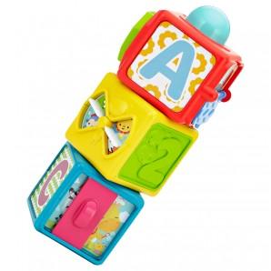 Spiel- und Stapelwürfel mit Buchstaben,