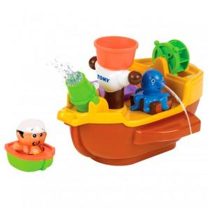 Piratenschiff mit lustigen Spritztieren